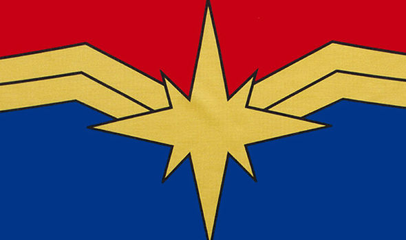 「avengers infinity war last scene symbol captain marvel」的圖片搜尋結果