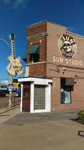 We got the blue skies at Sun Studio, Memphis
