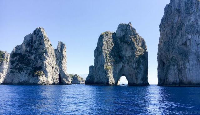 Untold Morsels - Capri Gozzo Boat - Best Boat Trips - apackedlife.com