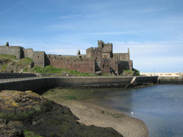 11 Lovely Locations in Lancashire - Isle of Man - Peel Castle