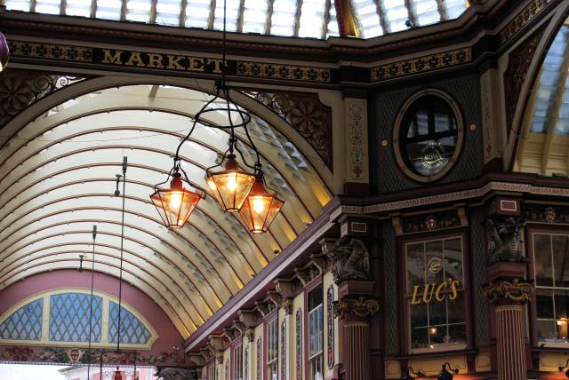 6 Superbly Traditional London Pubs Off The Tourist Trail - Leadenhall Market
