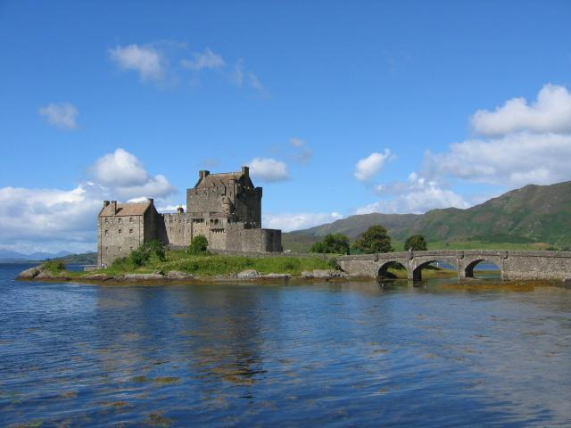 10 Day UK Trip Itinerary - 5 Beautiful Itineraries For Your Visit - Eilean Donan