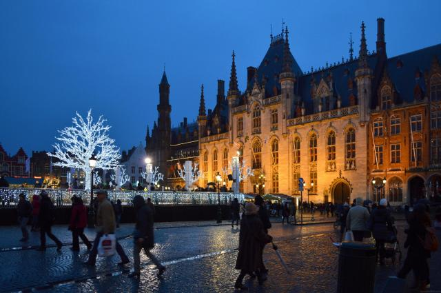 What To Do In Bruges In Just One Day - Kerstmarkt
