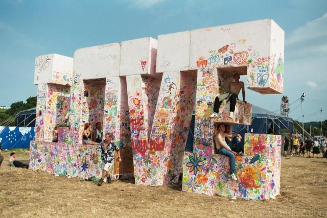 7 Cool Bucket List UK Destinations For Music Lovers - Glastonbury Festival