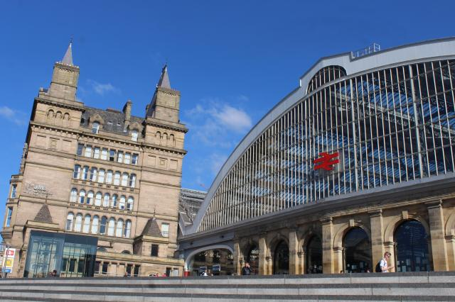 15 Fabulous Things To Do In Liverpool - Liverpool Lime Street Station