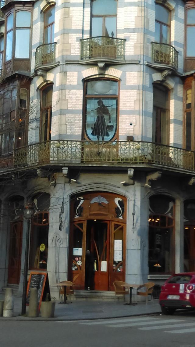 Day Trips From Brussels - La Porteuse de l'Eau, Saint-Gilles, Brussels