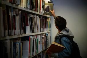 Còpia de Biblioteca MACBA (7)
