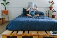 DIY Pallet Bed | A Pair & A Spare