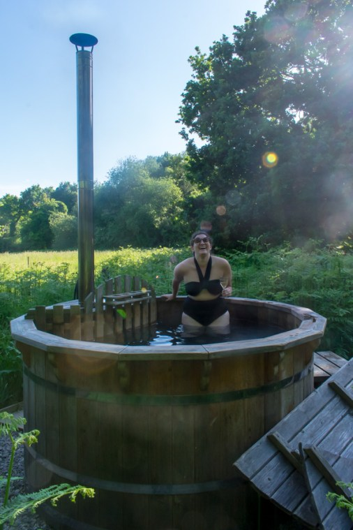 Glamping in Hampshire - Wriggly Tin Shepherds Huts - UK Hotel Hottubs