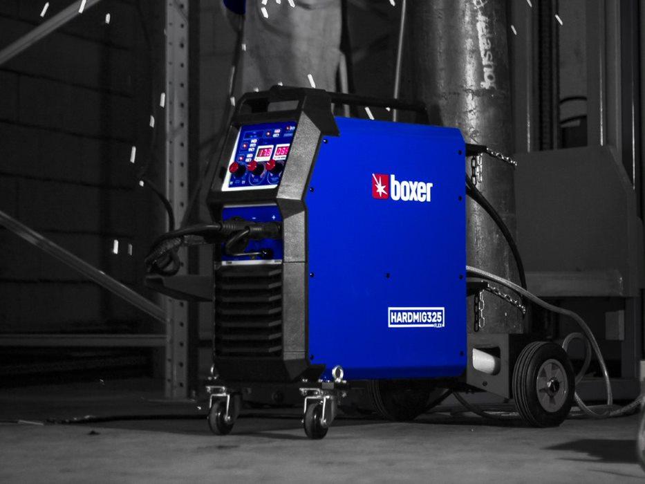 Máquina de solda da Boxer Soldas na cor azul com detalhes pretos.