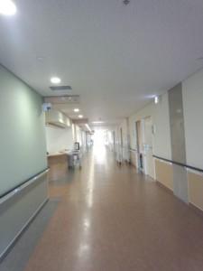 ○○○整形外科記念病院廊下