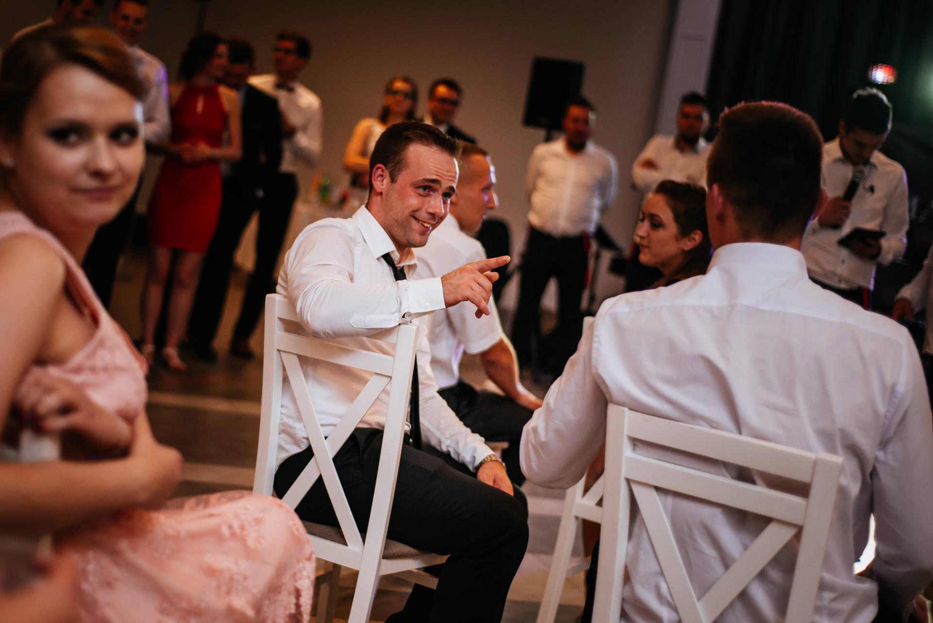 Ślub i wesele w Szczytnie, w południowej części Mazur, w województwie warmińsko-mazurskim - fot. Rafał i Magda Nitychoruk