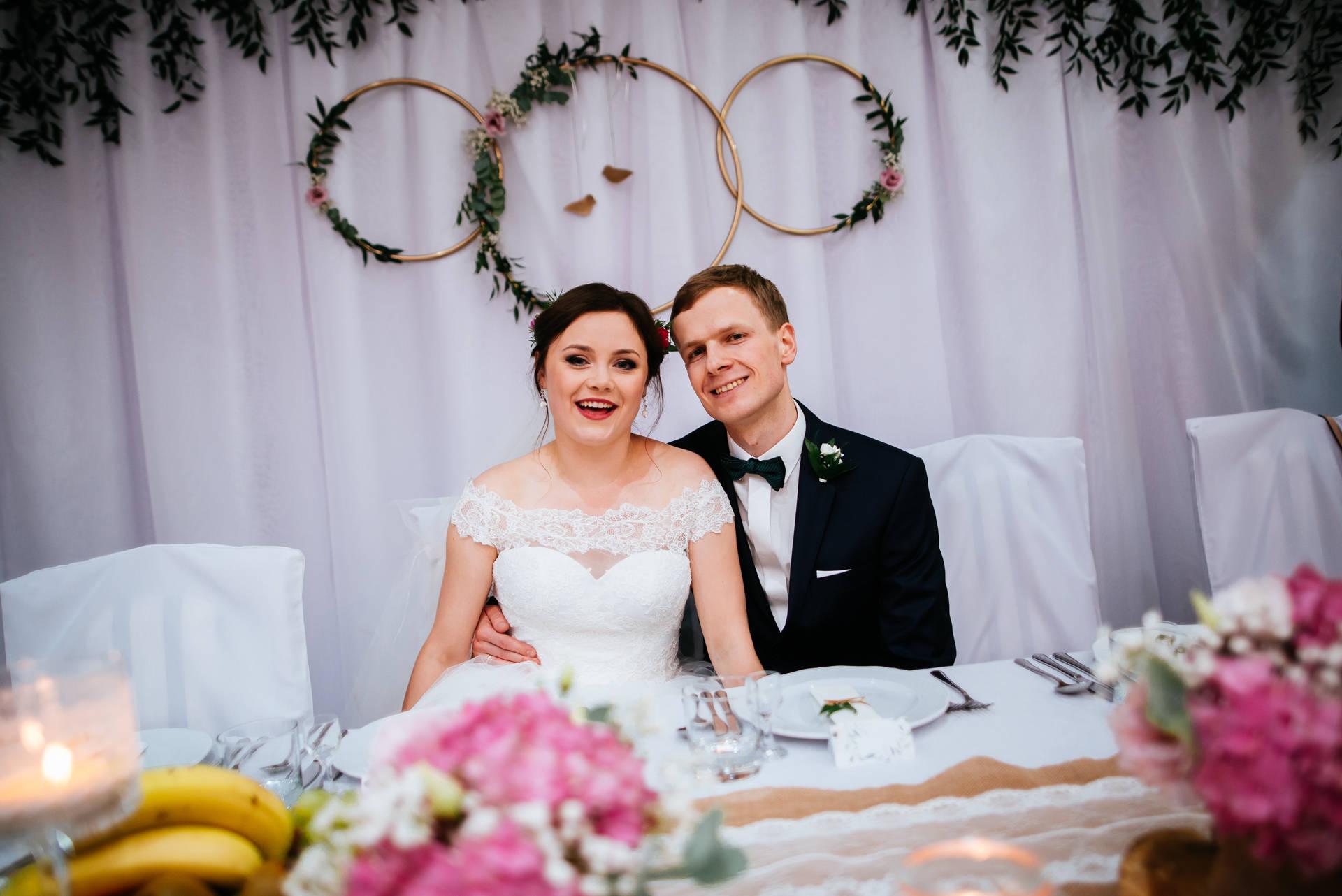 Ślub kościelny (konkordatowy) w Tucholi, na styku Kaszub i Borów Tucholskich - fot. Nitychoruk