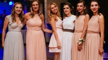 Druhny na ślubie i weselu - zdjęcie zrobione na weselu w Iławie, w województwie warmińsko-mazurskim
