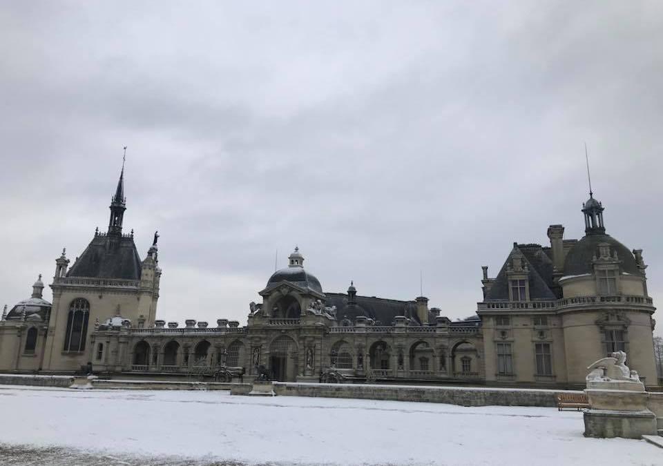 Heavy snow in Chantilly area