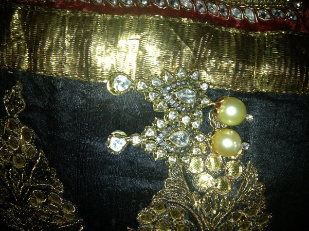 antique-gold-with-rubies-and-pearls-craftsbazaar-made-6