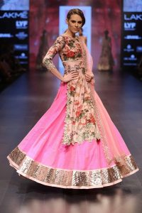 model-walks-for-anushree-reddy-at-lfw-wf-2016-jpg