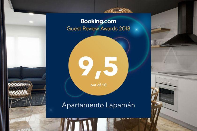Insignia del Guest Review Award 2018 de Booking para Apartamento Lapamán