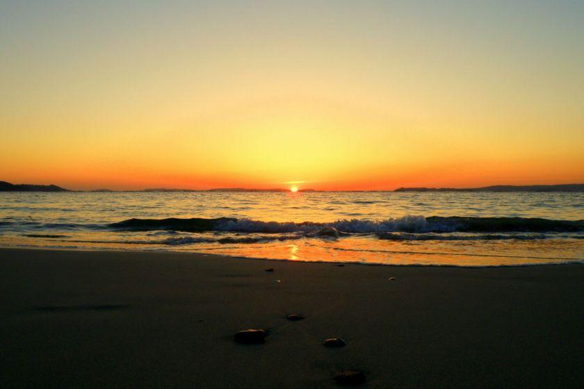 Puesta de sol en la Playa de Lapamán