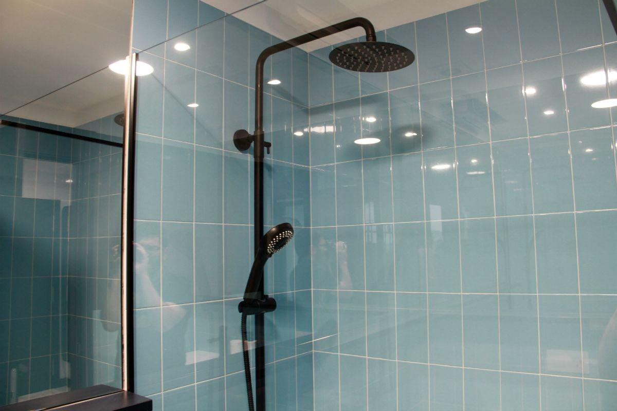 Ducha en cuarto de baño de Apartamento Lapamán - Apartamento Lapamán