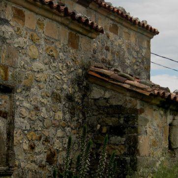 San Miguel, Llames de Parres