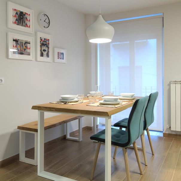 apartamentos_estella_lizarra_salon_comedor_2