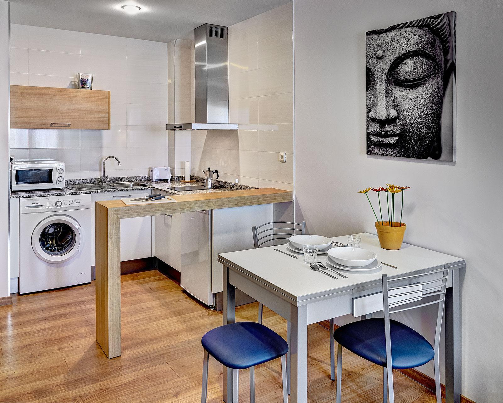 Los apartamentos  Apartamentos LOS ARCOS