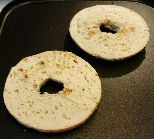 Toasted bagels