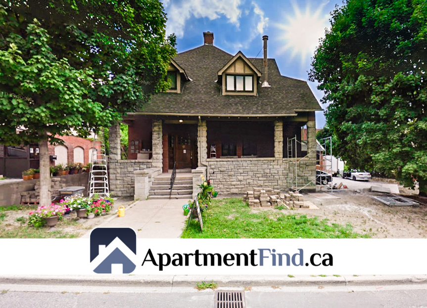 17 Marlborough Avenue (Sandy Hill) - 1700$