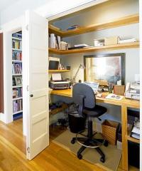 Home Office in a Closet mod  Apartment Geeks