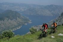 Biking_Boka bay