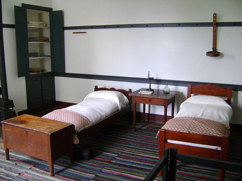 Highly Functional Shaker Furniture  Apartments i Like blog