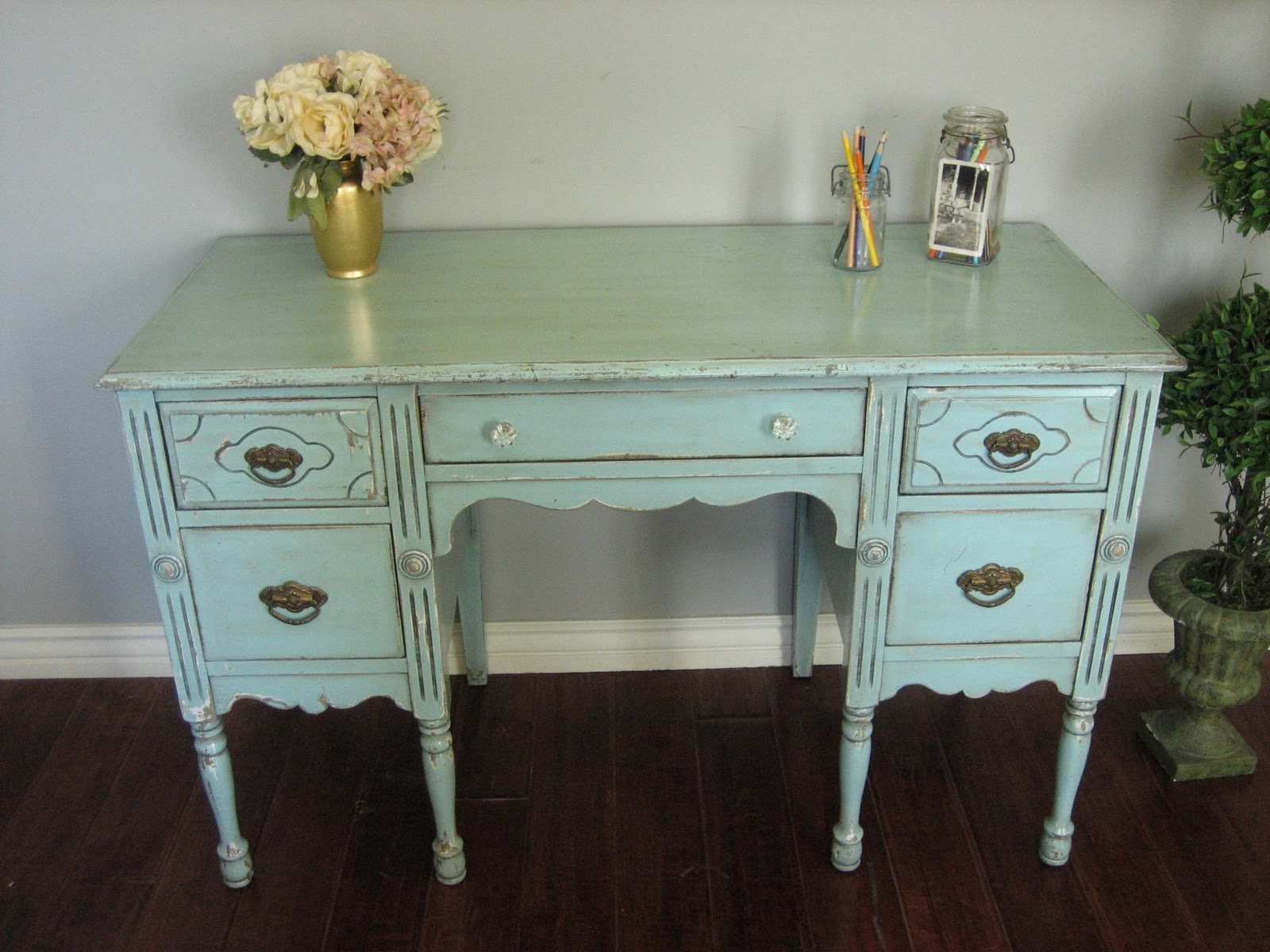 shabby chic chair bumbo with tray furniture finishing apartments i like blog