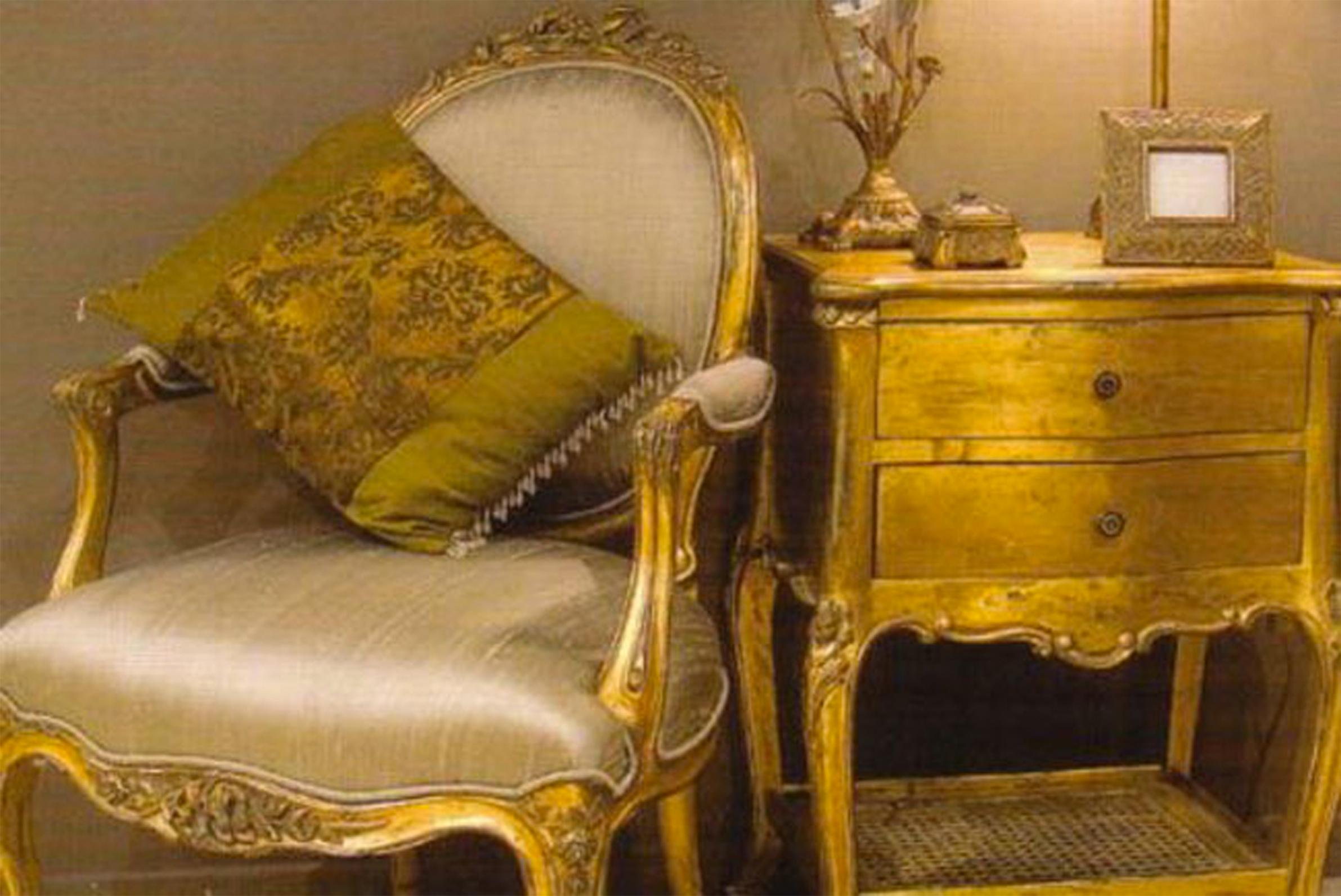 Bon Totally Gold: French Louis Furniture Striking And Elegant.