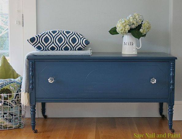 Superbe Vintage Cedar Chest In Navy Blue Painted Furniture