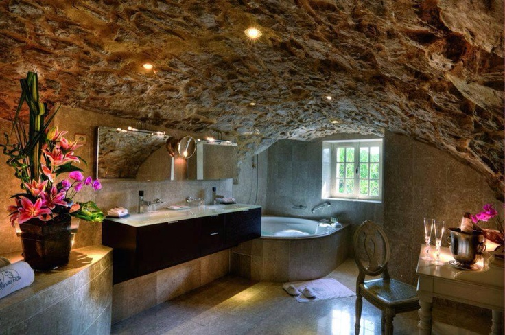 Exceptionnel With Valentineu0027s Day Around The Corner We Have Found Luxurious Romantic  Baths For Our Sweet Love Inspiration. The U201cin The Caveu201d Feel Of This  Bathroom Brings ...