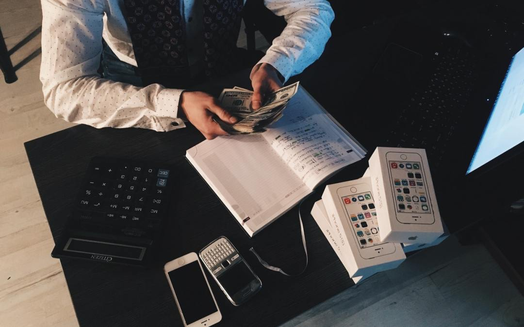 The Beginner's Guide To Budgeting & Saving Money