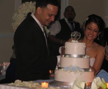 Cake cutting Mansion on Broadway