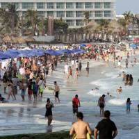 Delta 'explota' la tercera ola COVID en Cancún y Los Cabos