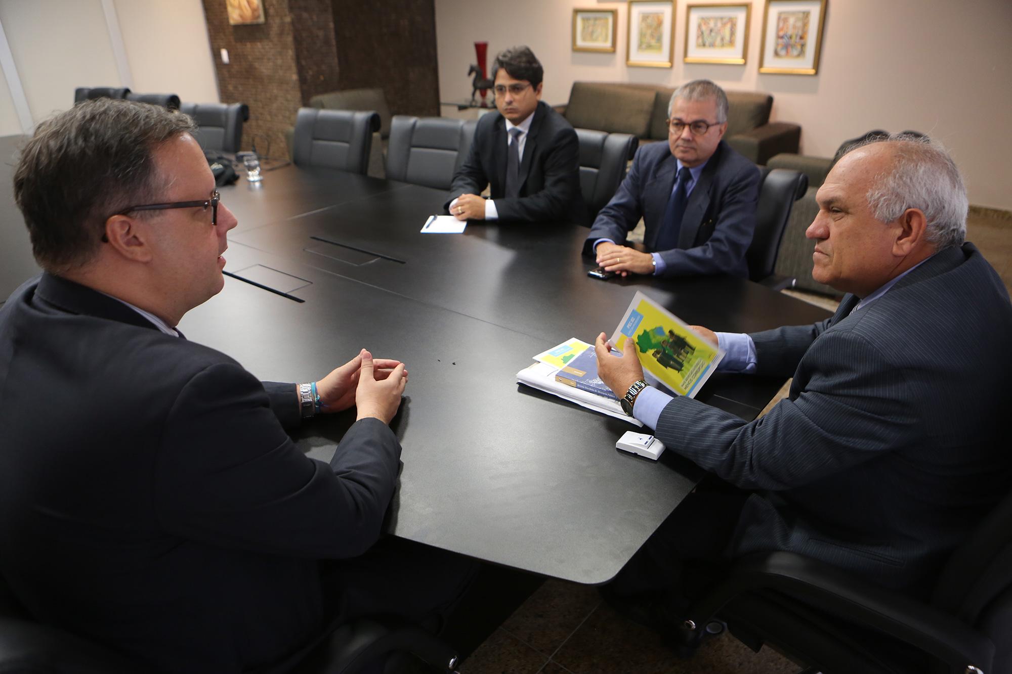 Visita da APE/AL ao TJ Alagoas