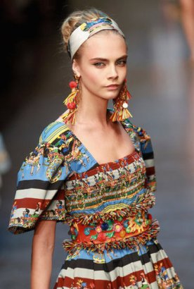 Cara Delevigne in the catwalk of Dolce&Gabanna