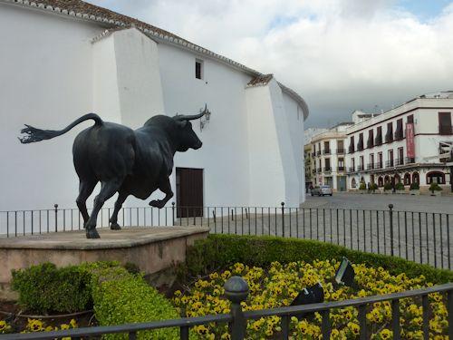 Statue of bull