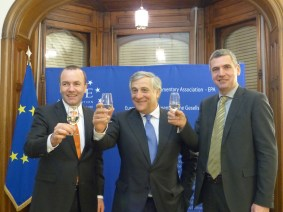 Manfred Weber, MEP and Vice President of the APE, Antonio Tajani, President of the European Parliament and member of the APE, and Herbert Dorfmann, MEP and President of the APE