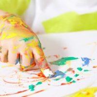 Rincón de arte para bebés (primeras pinturas)