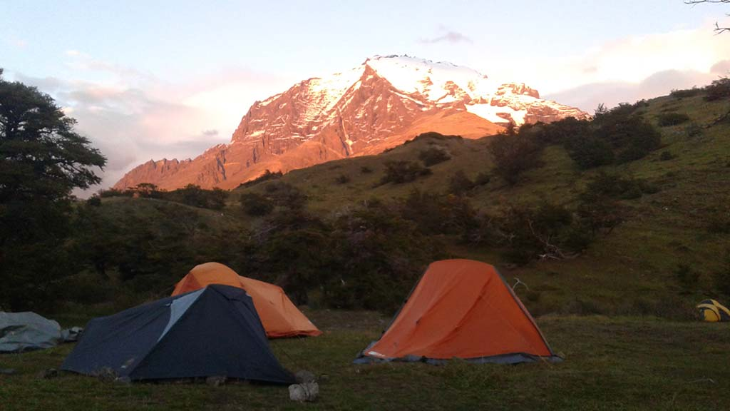 camping torres del paine chile