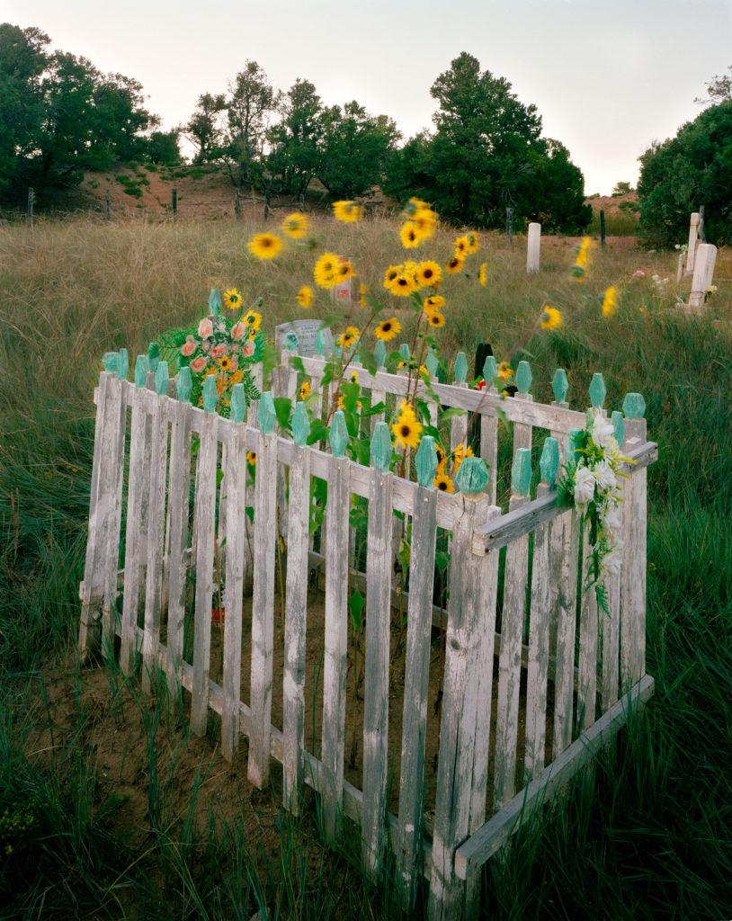 Alex Harris, Camposanto, El Valle, New Mexico, 1986