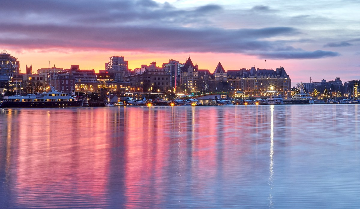 The Empress & Harbour Air under the Sunrise
