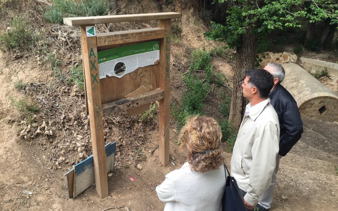 Denuncian el estado de abandono y el vandalismo en la Font de Sant Lluis