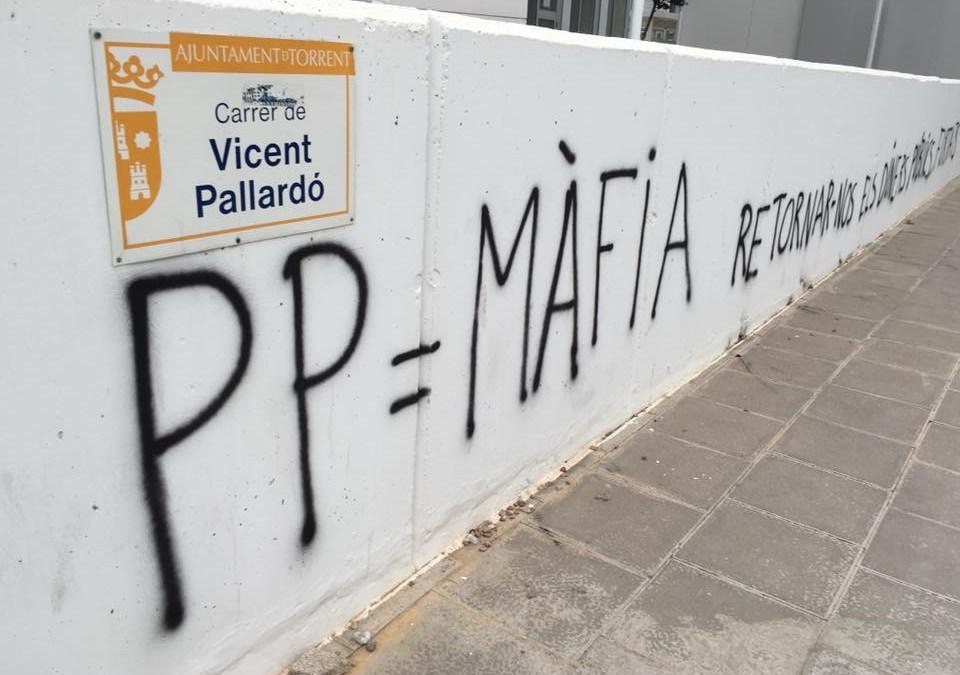 El PP denuncia al menos 5 pintadas en las calles contra su partido tras el 26J en Torrent