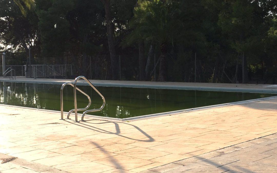 El PP alerta de la putrefacción de las aguas en la Piscina del Vedat que puede convertirse en un foco de mosquito tigre